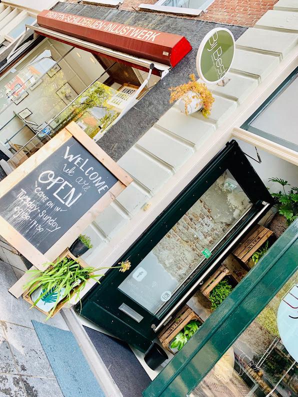 Ingang Lunchroom Bij Best - Madhawie.nl
