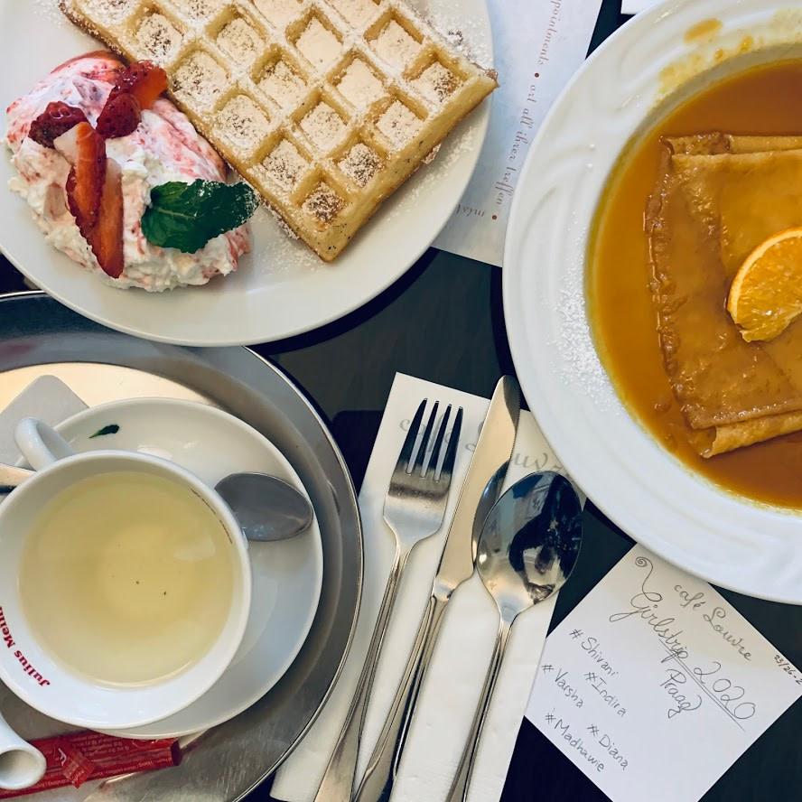 Lunch in Praag bij Café Louvre - www.madhawie.nl